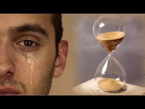 Время утекает сквозь пальцы как песок...