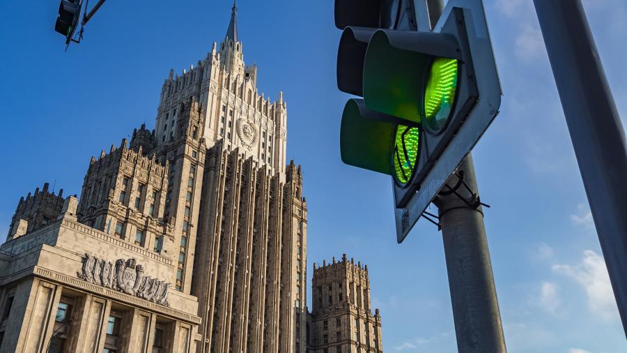 МИД назвал вынужденной высылку иностранных дипломатов из России Политика