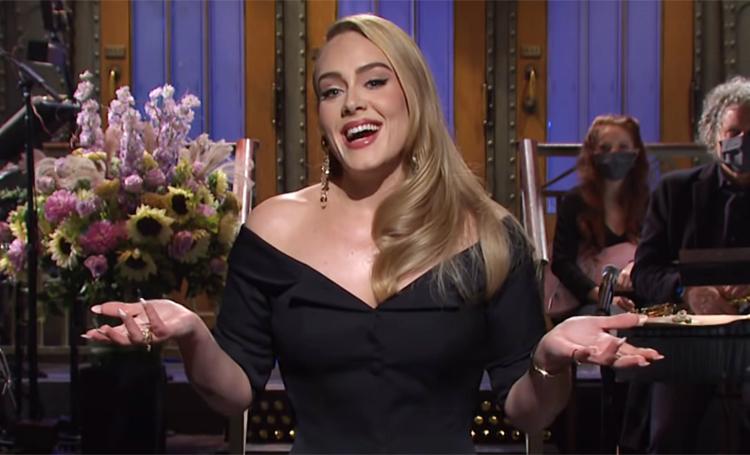 """Участие в """"Холостяке"""" и исполнение своих хитов: похудевшая Адель впервые за три года появилась на телевидении"""