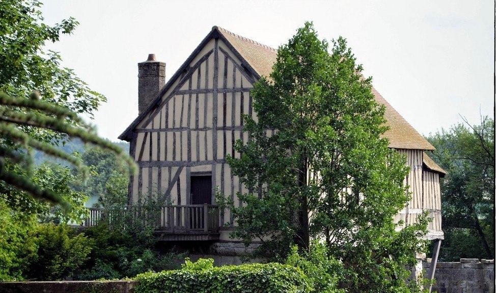 Старая водяная мельница: прошедшая через века