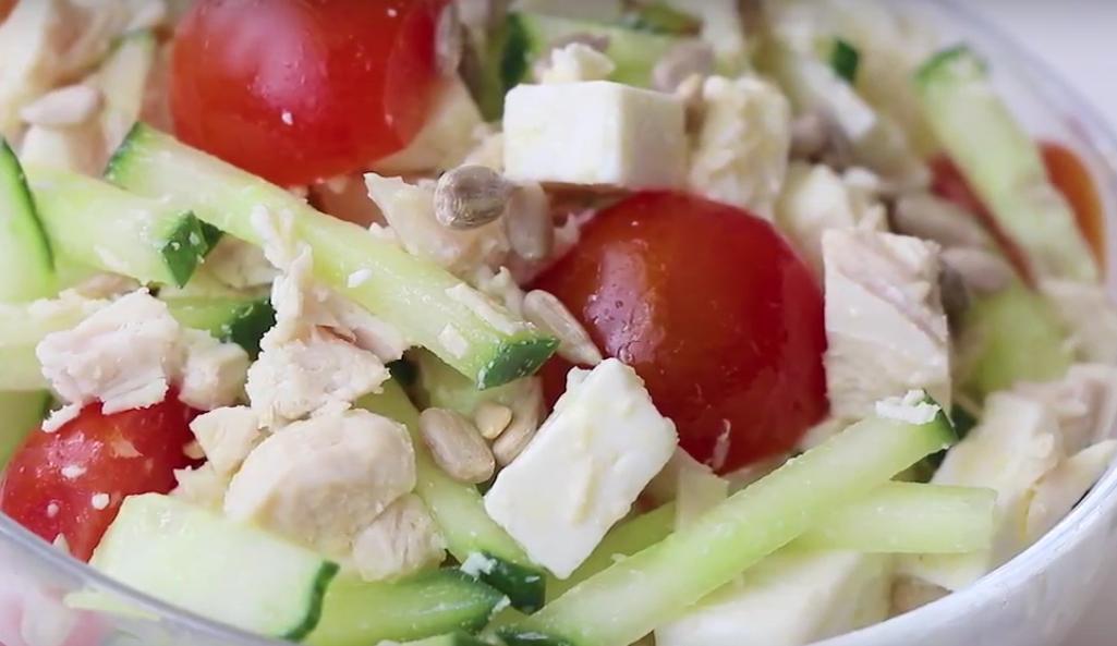 """Диетический салат из свежих овощей с сыром """"Фета"""""""