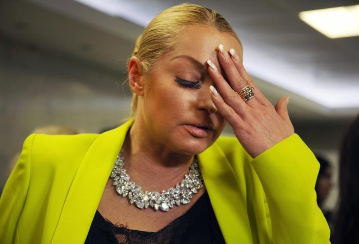 Травля Пугачевой довела Волочкову до слез