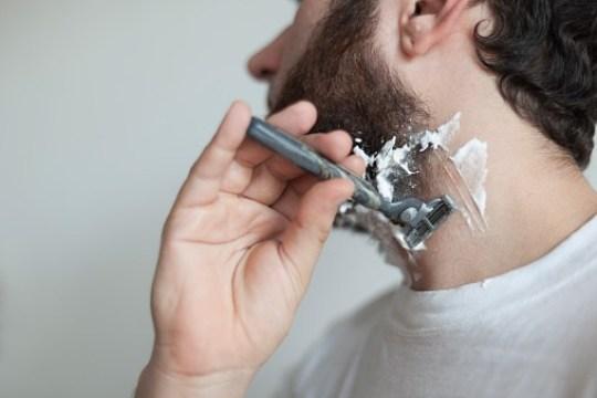 Ученые выяснили, что в мужской бороде больше бактерий, чем в собачьей шерсти