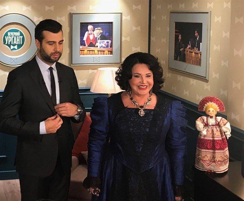 «Шальная императрица»: Надежда Бабкина удивила своим образом на передаче «Вечерний Ургант»