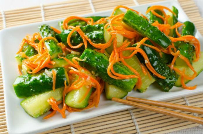 Вкусные салаты, которые не прибавят лишних килограммов - 7 рецептов