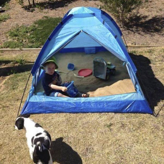 Песочница в палатке