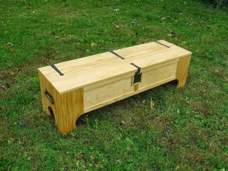 Ящик, который одним движением руки превращается в кровать