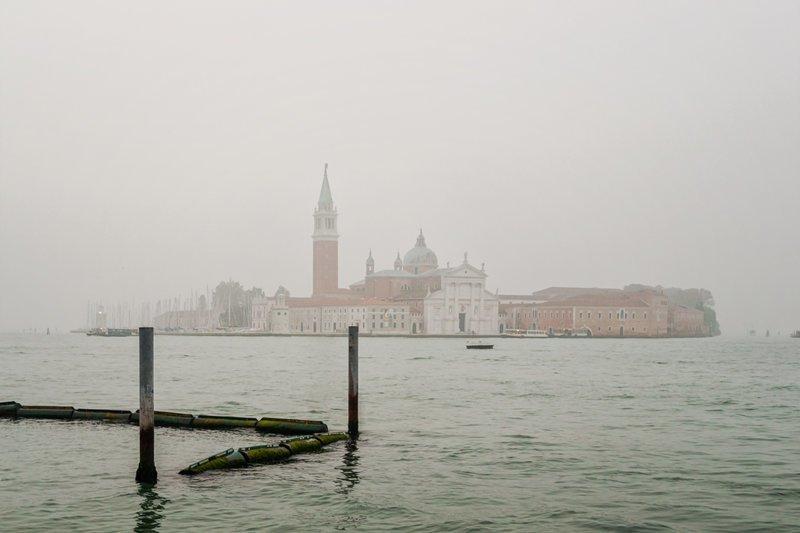 Есть запрещено! Что еще нельзя делать в Венеции?