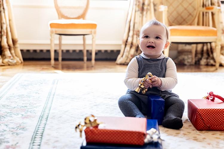 Наследный принц Люксембурга Гийом и принцесса Стефания представили новые фото сына к его первому дню рождения Монархи,Новости монархов