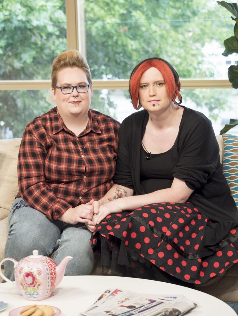 Мама-трансгендер и папа-трансвестит растят 4-летнего сына гендерно-нейтральным