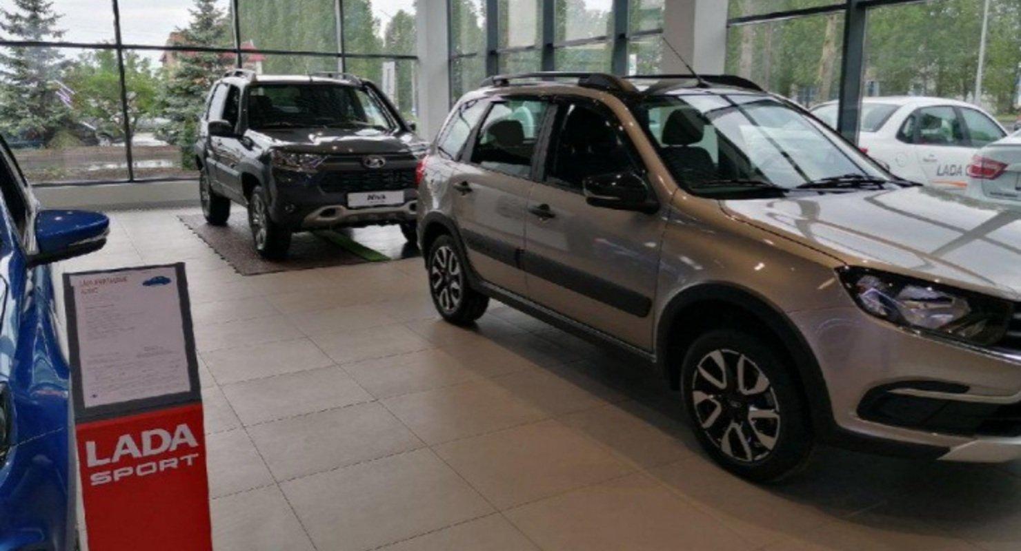 В Ульяновске торжественно открыли новый дилерский центр LADA Автомобили