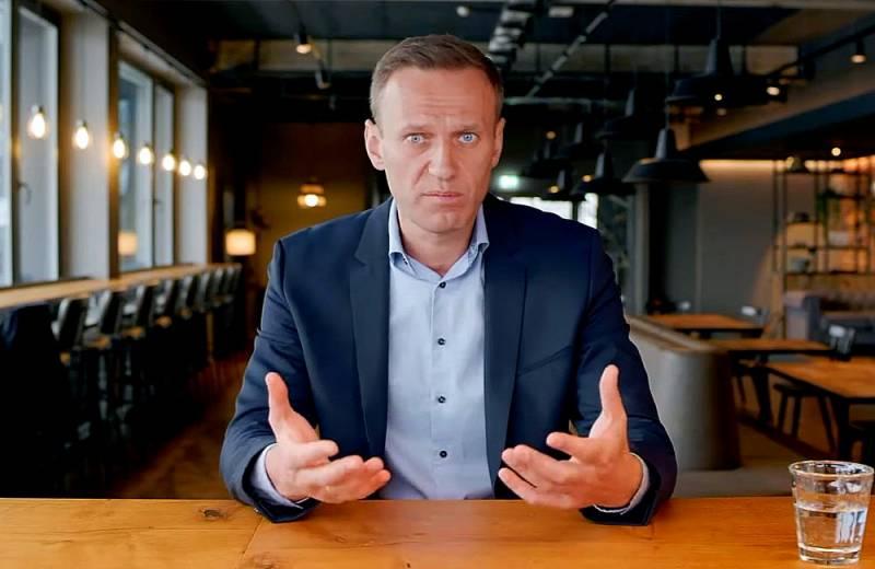 Возвращение «жертвы режима»: Три главных вопроса по Навальному