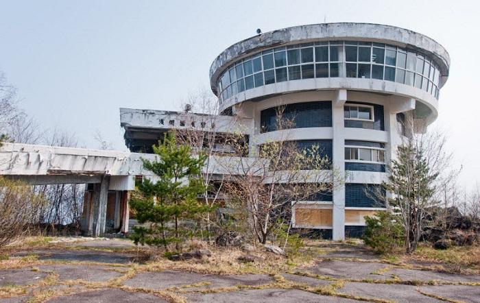 Музей вулканологии у подножия вулкана Асама (Остров Хонсю, Япония). | Фото: nevsedoma.com.ua.