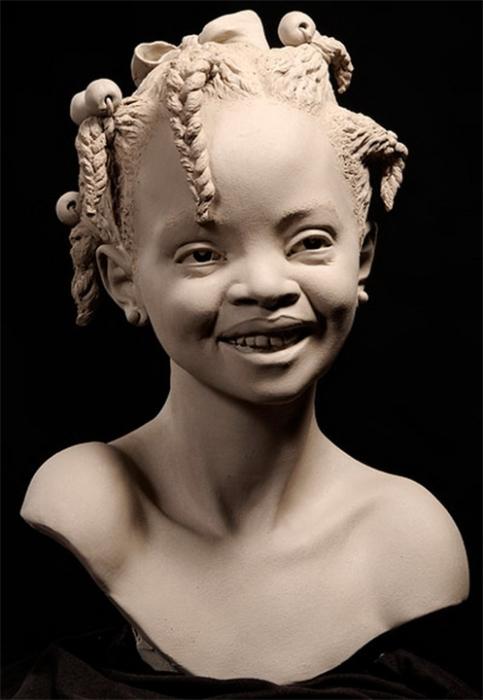 Девочка из племени.