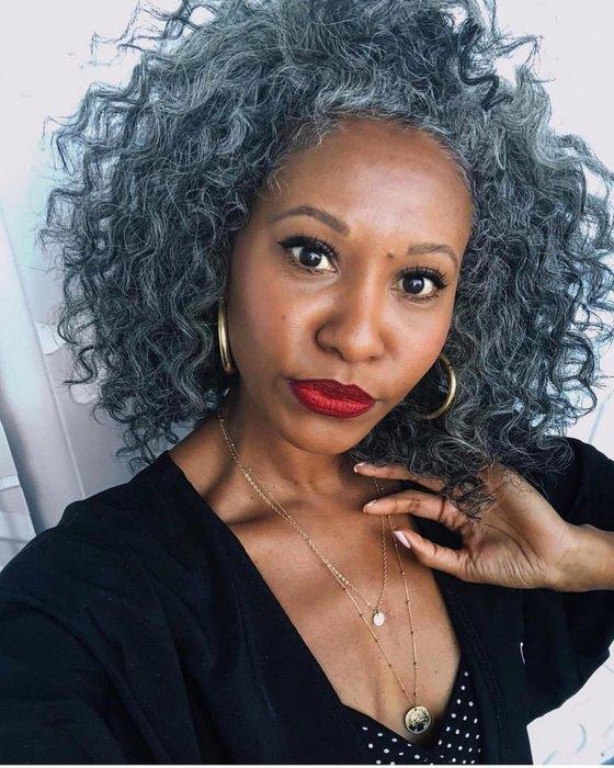Искренние истории женщин, которые больше не прячут седые волосы