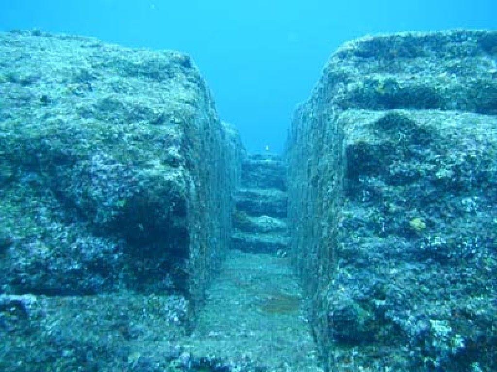 Загадочная подводная стена, которая охватывает всю планету