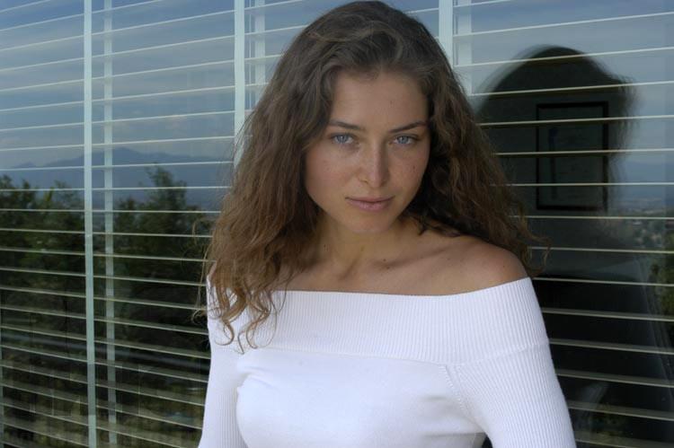 «Манерная барышня на экране, а в жизни…»: Только посмотрите, как живет известная актриса Марина Казанкова
