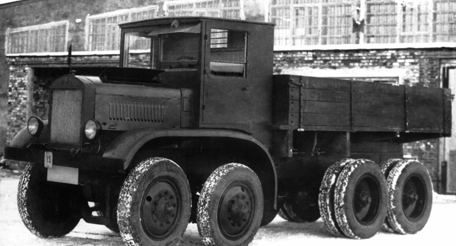 Грузовой ЯГ-12 — символ «мощи Советов» Автомобили