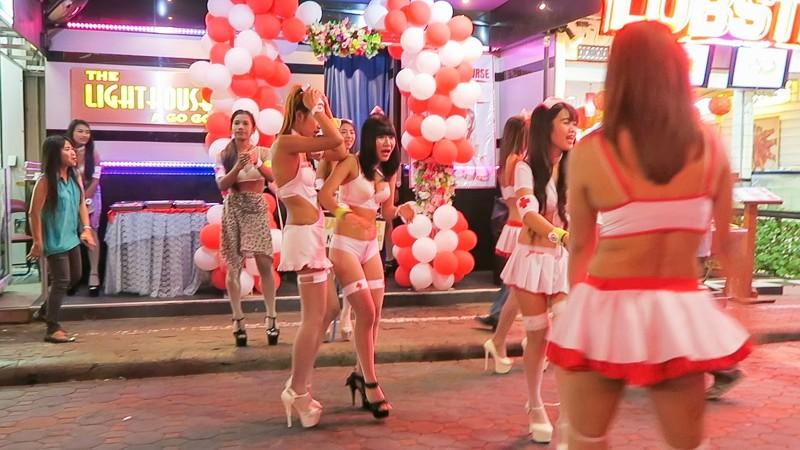 Улица секса и разврата Walking Street в Паттайе волкин стрит, паттайя, секс-туризм, тайланд