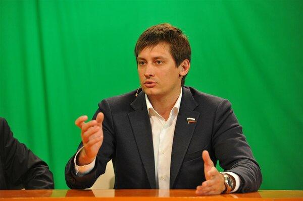 "Гудков считает, что ""Путин з…"