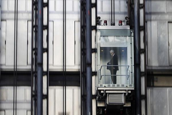 Пассажирский лифт упал с вос…