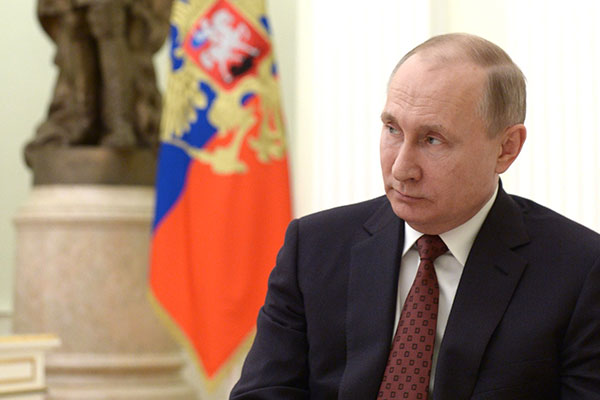 Путин пригласил соперников по выборам объединить усилия в интересах России