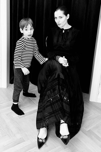 """Юлия Снигирь поделилась редкими фото старшей дочери Евгения Цыганова: """"Дети растут слишком быстро"""" детирастутслишкомбыстро,Звездные дети"""