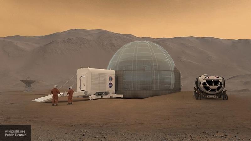 Уфолог нашел на Марсе обломки плиток и крыло самолета