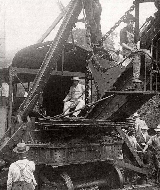 15. Теодор Рузвельт во время строительства Панамского канала, 1904 год интересно, исторические фото, история, ностальгия, фото