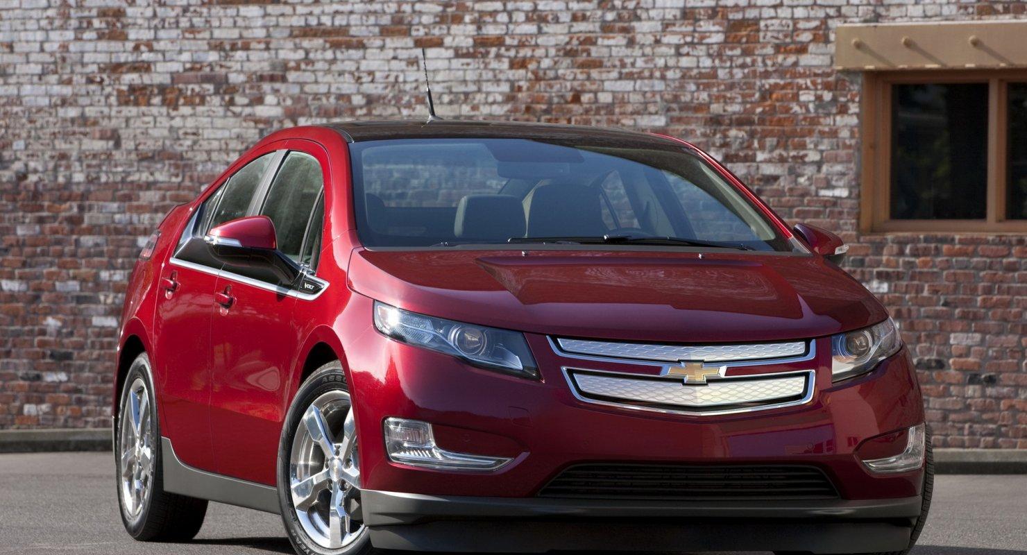 Chevrolet Bolt — достойный седан среднего ценового сегмента Автомобили