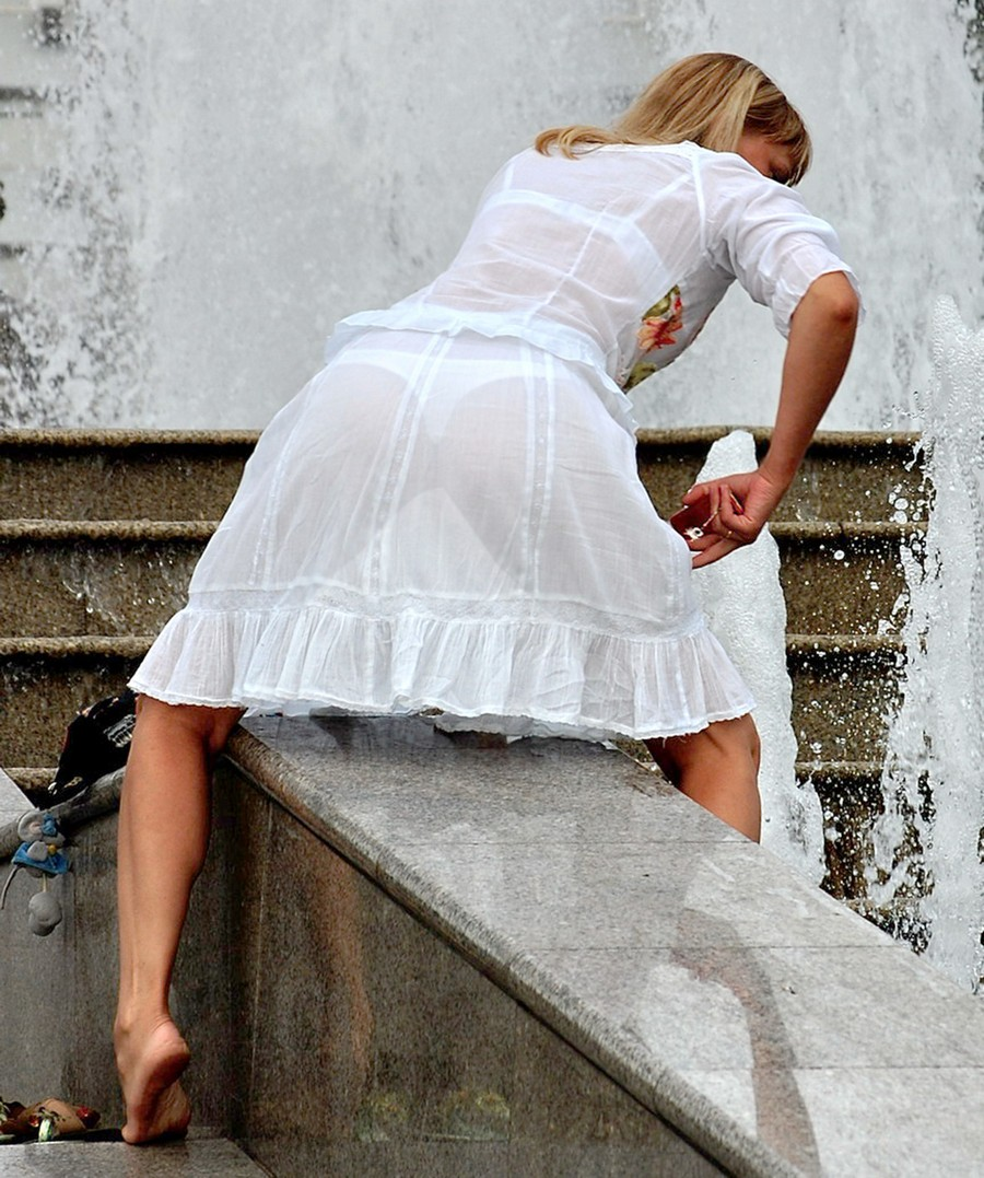 находясь прозрачная одежда на девушке бойся