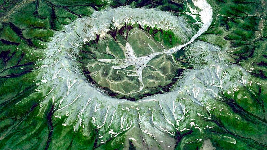 Кондёр - единственная в мире круглая горная гряда