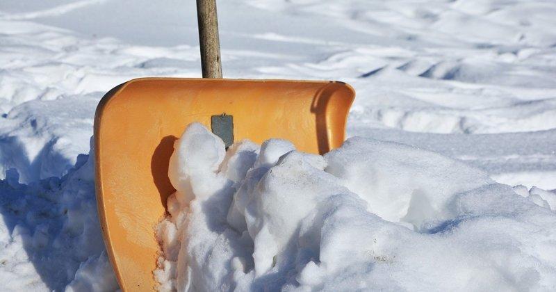 Чертов парадокс или чей во дворе снег