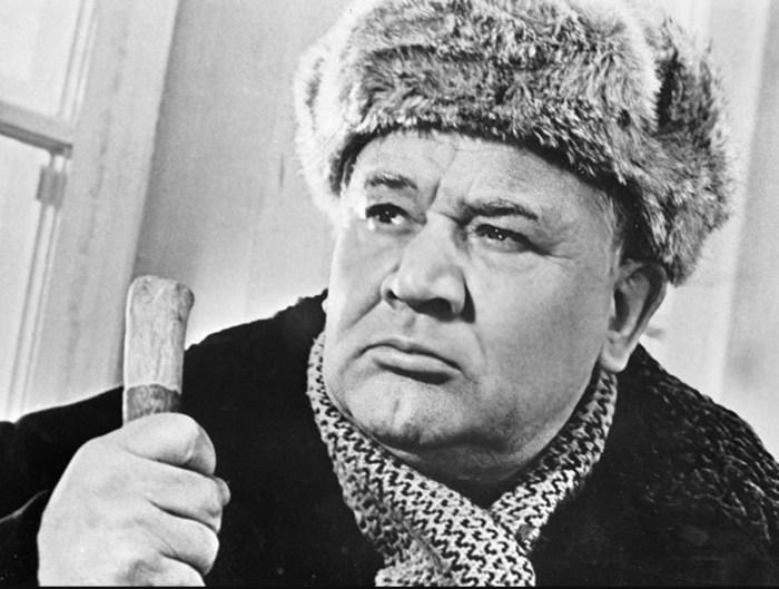 Как советский актёр Борис Андреев женился на первой встречной и отдал своё место на кладбище лучшему другу