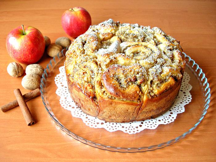 Пирог из «розочек» с вкуснейшей начинкой Пирог, Рецепт, Пирог из яблок, Тесто, Дрожжевое тесто, Выпечка, Видео, Длиннопост