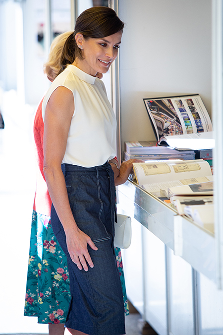 Что почитать на досуге: любимые книги Кейт Миддлтон, Меган Маркл, королевы Летиции и других монархов Монархи,Новости монархов