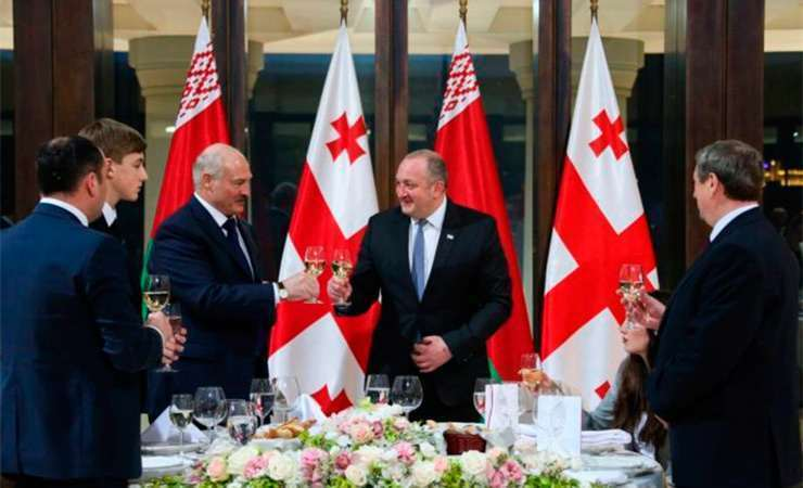 Лукашенко ужаснулся из-за состояния Абхазии и поддержал целостность Грузии