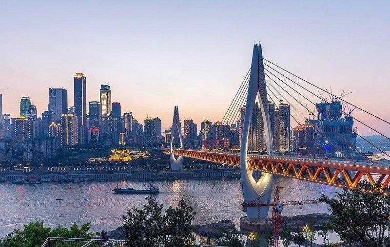 Один из мостов в Чуньцине, четвертом по величине городе Китая виды, города, китай, красота, необыкновенно, пейзажи, удивительно, фото