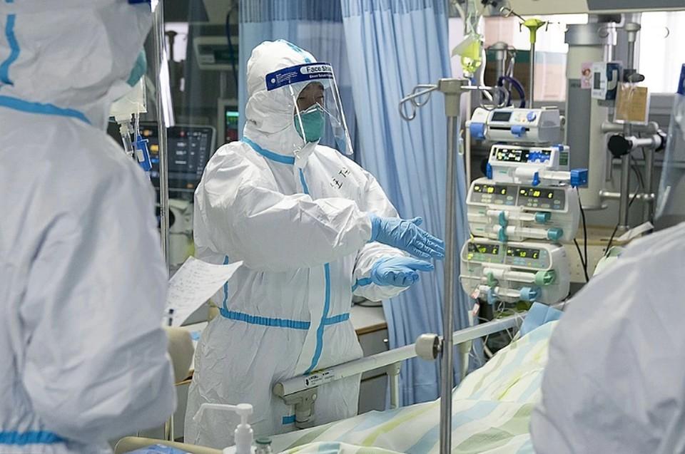 Эксперт объяснил снижение числа новых случаев COVID-19 в России