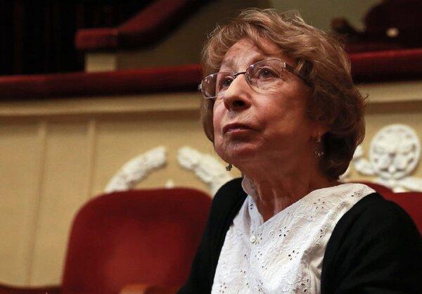 Ахеджакова вновь предложила русским извиниться перед всем миром