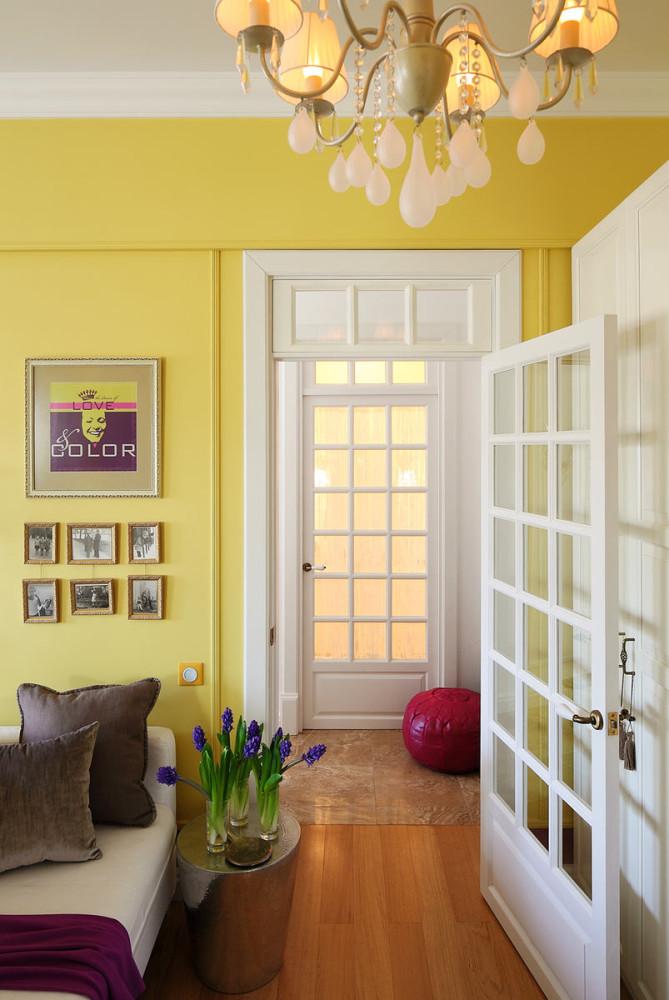 Мебель и предметы интерьера в цветах: желтый, светло-серый, белый, салатовый. Мебель и предметы интерьера в .