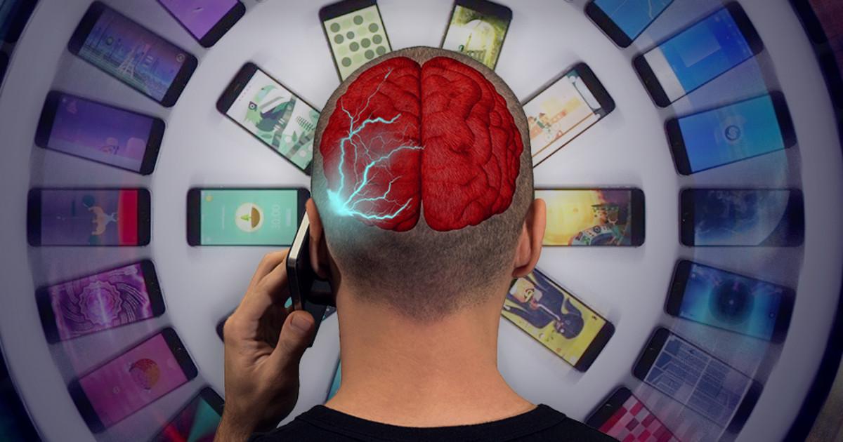 Рак, зависимость, право первой зарядки: Главные мифы о вреде смартфона