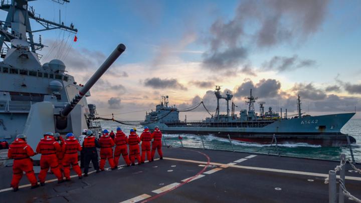 В Чёрное море пришёл целый отряд кораблей НАТО. Отчего-то без памперсов