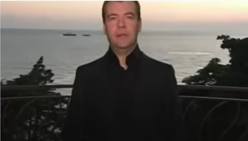 Шарий назвал Дмитрия Медведева всадником Апокалипсиса Блогеры,общество,Политика