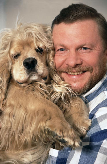 Виталий Соломин с псом Ромкой