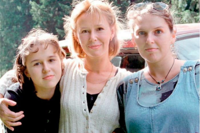 Евгения Симонова с дочерьми | Фото: 24smi.org