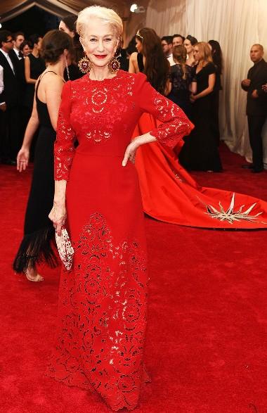 Дамам возраста элегантности — самые красивые и модные платья для новогодней ночи!