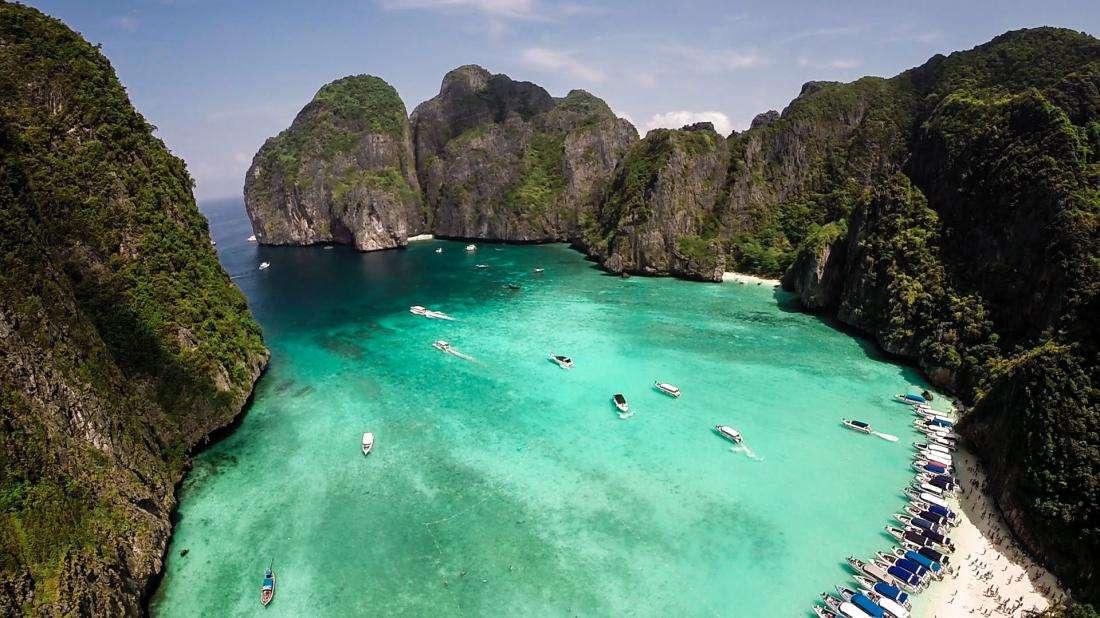Не можете представить свою жизнь без пляжного отдыха? Узнайте, какие пляжи самые лучшие в мире