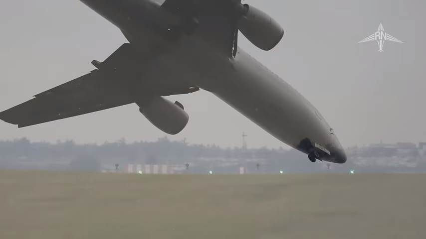 Невероятная посадка пассажирского самолета: смотрите, что произойдет на 40 секунде видео