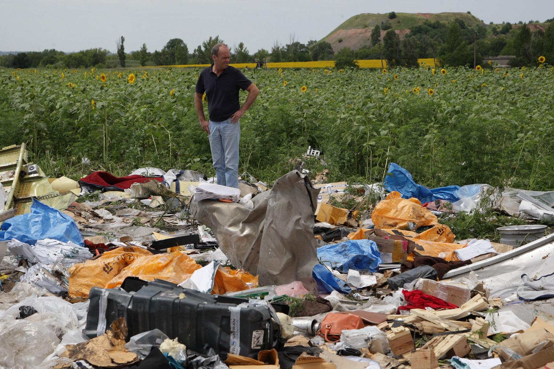 """""""Летающий морг"""", пропавшие тела и другие загадки: МН17 под лупой """"Шерлока"""" геополитика,украина"""
